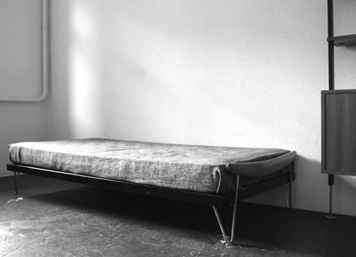Wohnbedarf Bett