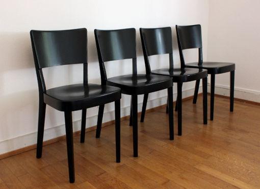 Vier Stühle von M.E. Haefeli