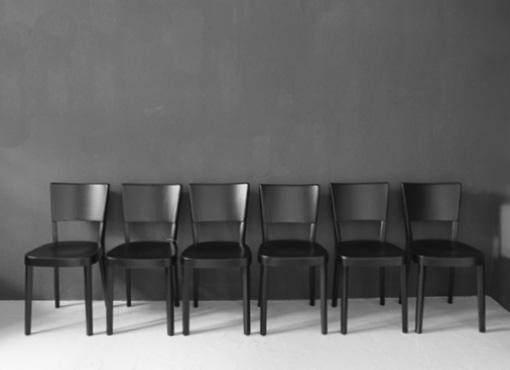 Sechs Haefeli Stühle