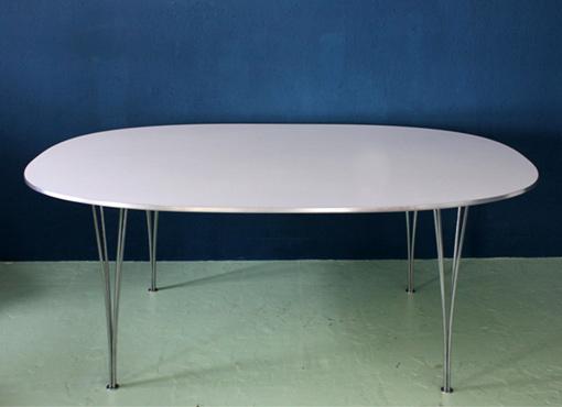 Superellipse Tisch