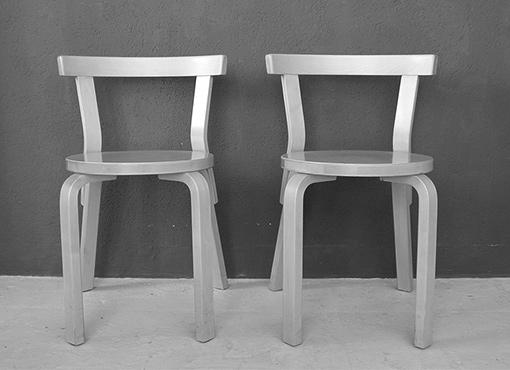 Stuhlmodell 68 von Alvar Aalto