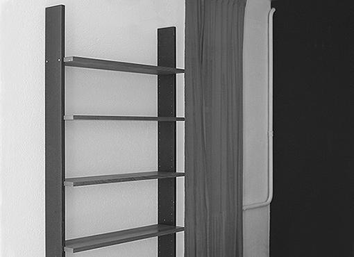 Bücherregal von Dieter Waeckerlin